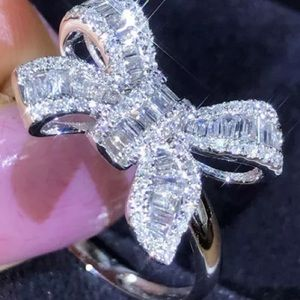 Awesome bow ring